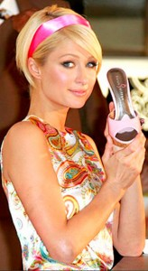 paris-hilton-shoe